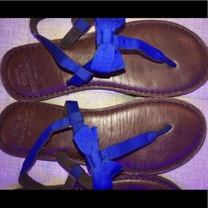 Abercrombie and Fitch leather royal blue sandals
